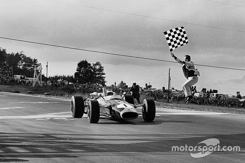 Após Verstappen na Áustria, relembre pilotos que já conquistaram um 'Grand Chelem' na F1