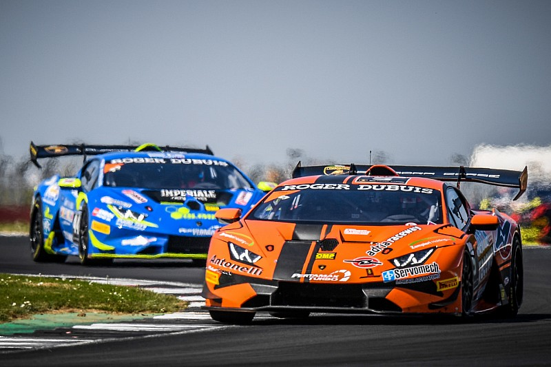Il Lamborghini Super Trofeo Europa accende la notte di Misano