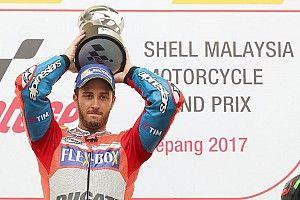 Dovizioso gana en Sepang y retrasa el alirón de Márquez