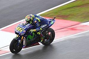 Rossi renace y Márquez elude la Q1 por los pelos