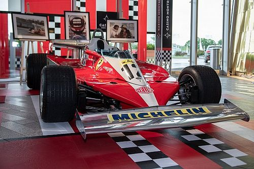 Villeneuve guia Ferrari do pai antes do GP do Canadá