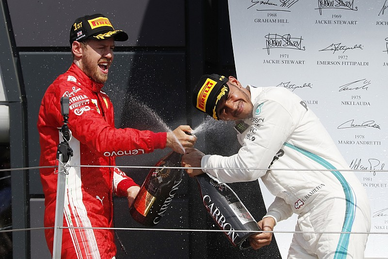 """Vettel dice que son """"tontas"""" las sugerencias de que el choque con Mercedes fue intencional"""