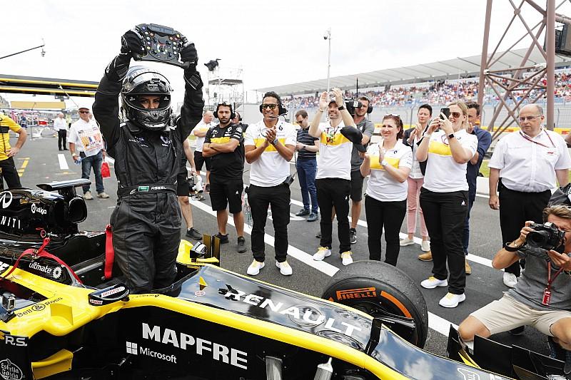 Ende des Frauen-Fahrverbots: Saudi-Araberin fährt Formel 1