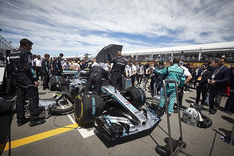 Bertie, a robot is segíti a Mercedes AMG munkáját