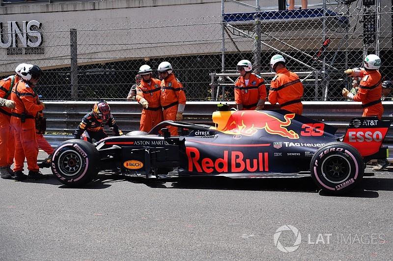 "Red Bull cutuca Verstappen: ""precisa de abordagem diferente"""