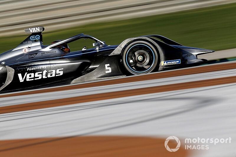 """Mercedes ya """"gana"""" en Fórmula E; Frijns lidera el segundo día"""