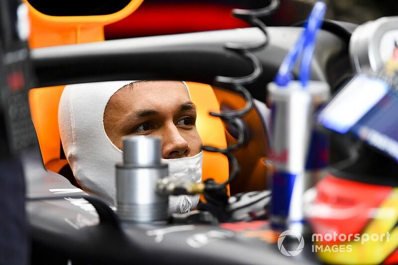 «Во второй раз было комфортнее». Элбон сравнил дебюты в Red Bull и Toro Rosso
