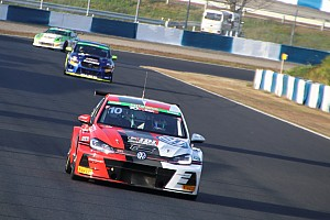 ST-TCRクラスはトップ4台がわずか2点差! 各クラス王座争いに注目