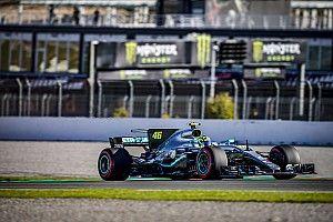 """Rossi test Mercedes F1: """"Voelde me een F1-coureur"""""""