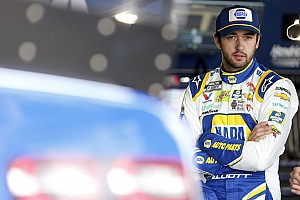 Chase Elliott shouldn't retaliate against Kyle Busch, says Hamlin