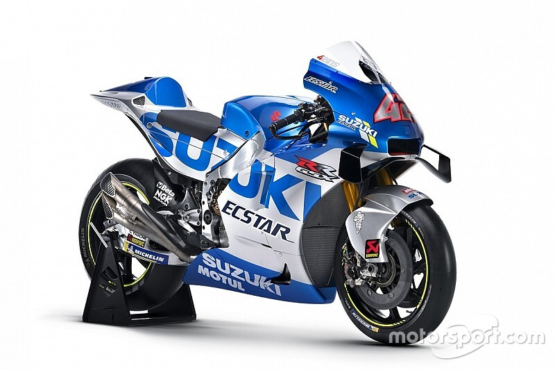 Błękitno-srebrne Suzuki