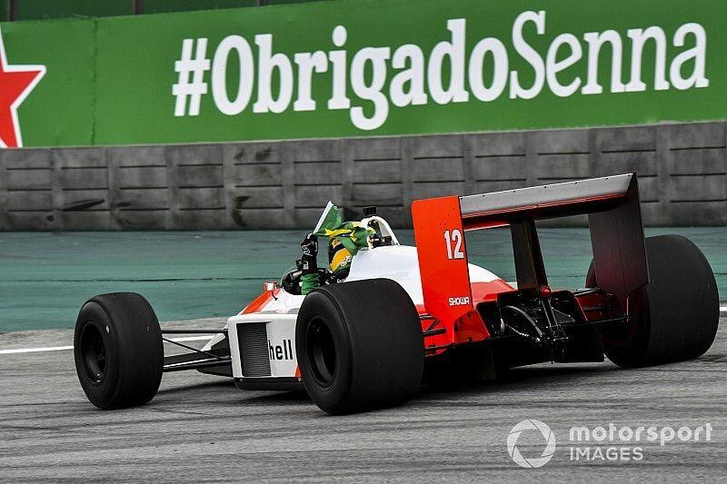 Troféu do GP do Brasil de F1 homenageia Senna; veja fotos e vídeo