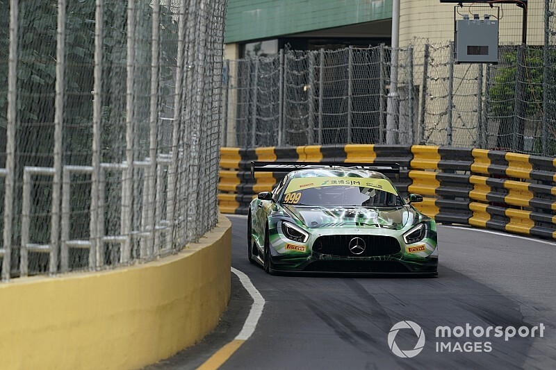 Macau GT: Marciello holds off Porsches in qualifying race