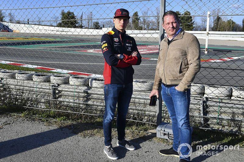 Verstappen hint op comeback als coureur en test LMP3-bolide