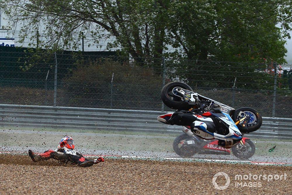 Sykes, iki BMW'yi yarış dışı bırakan dikkatsiz Gerloff'u eleştirdi