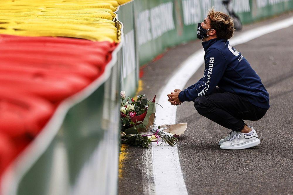 Mundo da F1 presta homenagens a Hubert na chegada à Bélgica