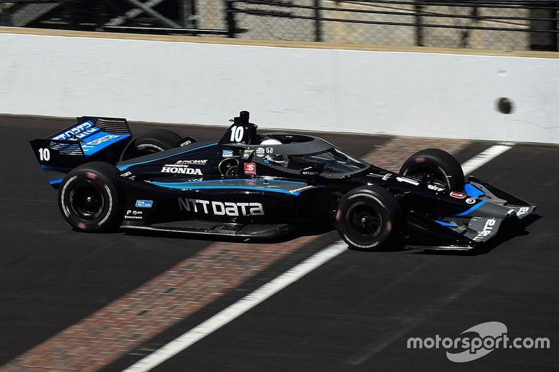 Johnson's first IndyCar run impresses Ganassi's Hull, Dixon