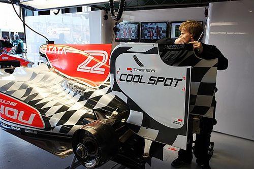 """F1の奇妙なスポンサー3:資金難のHRTが苦し紛れに掲示した""""広告募集""""ロゴ"""