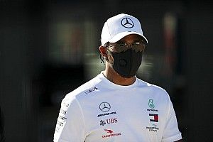 "Hamilton to stay in F1 for ""at least three years"""