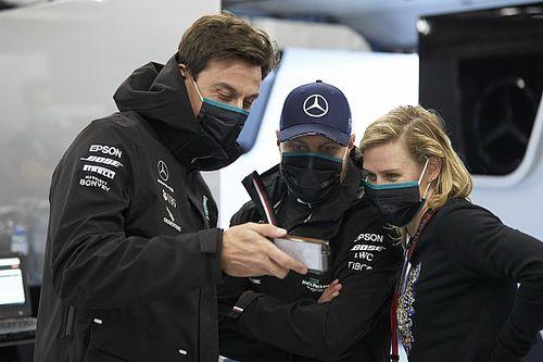 Wolff: Lauda megemelné a kalapját a Red Bull előtt...