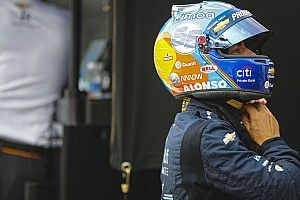Renault quiere que Alonso se suba al coche en 2020