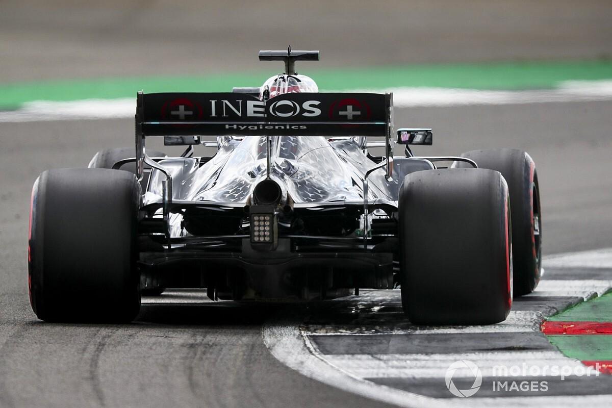 Mert Hamilton is képes hibázni, még a domináns Mercedesszel is