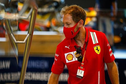Vettel, sene ortasında Ferrari'den ayrılmayı reddetti