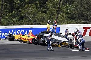 Újabb szörnyű baleset és brutális bukás az IndyCarban: videó
