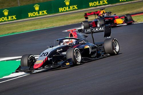 F3 Silverstone: Pulcini wint race twee, Shwartzman nieuwe leider