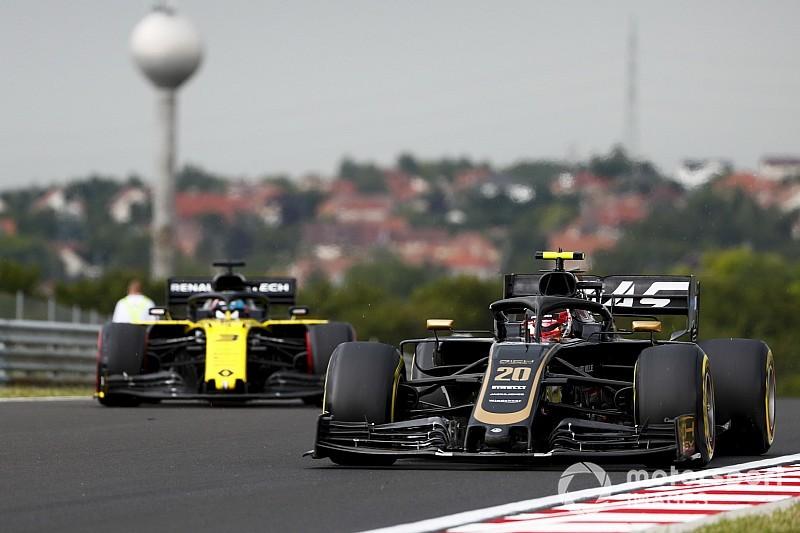 FIA направила Haas указание для Магнуссена по ходу гонки. Команда отказалась передавать его пилоту