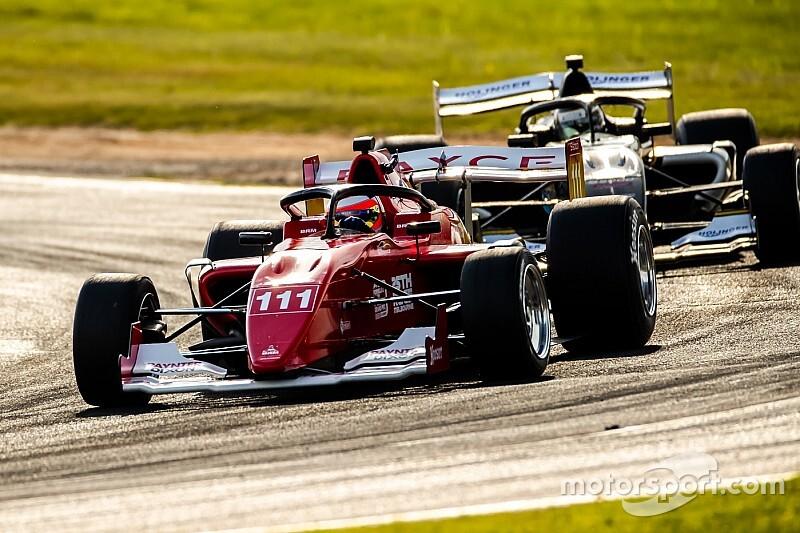 Assista a corrida que marcou o retorno de Barrichello aos monopostos, na S5000