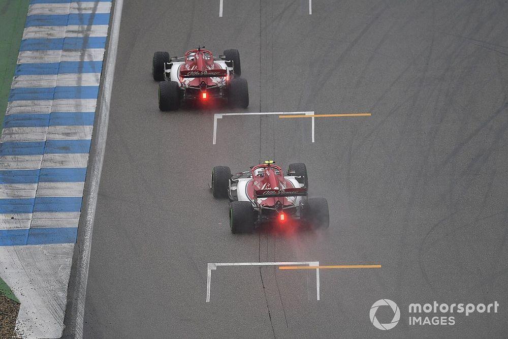 FIA propone sistema de alertas de color en luz trasera