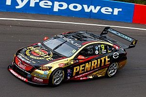 Bathurst 1000: Reynolds sets practice pace, scare for McLaughlin