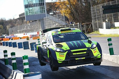 Rossi avasalla a sus rivales en el Monza Rally Show