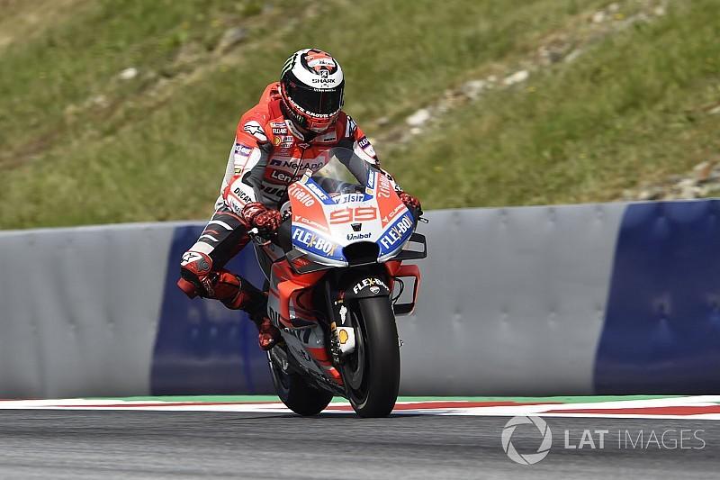 MotoGP Avusturya: Lorenzo, Marquez'in önünde zafere ulaştı