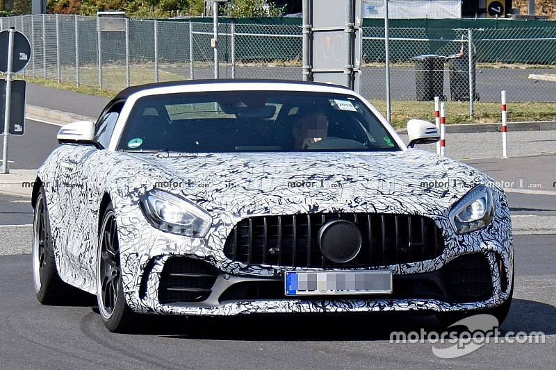 Mercedes-AMG GT R Roadster: перші шпигунські фото