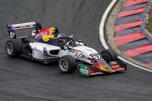 Van Gisbergen wins TRS season opener on single-seater return