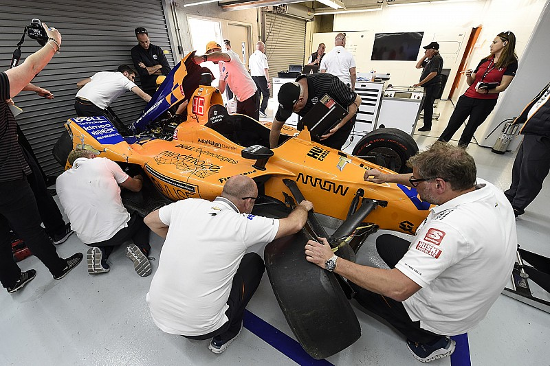 "McLaren ""not panicking"" over Alonso no-show on Day 3 at Indy"