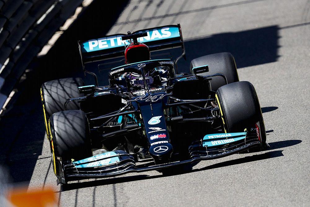 """F1: Sétimo colocado, Hamilton terá """"discussão séria"""" com Mercedes"""