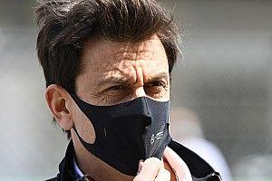 "Wolff: ""Red Bull ha avvicinato 100 motoristi Mercedes"""