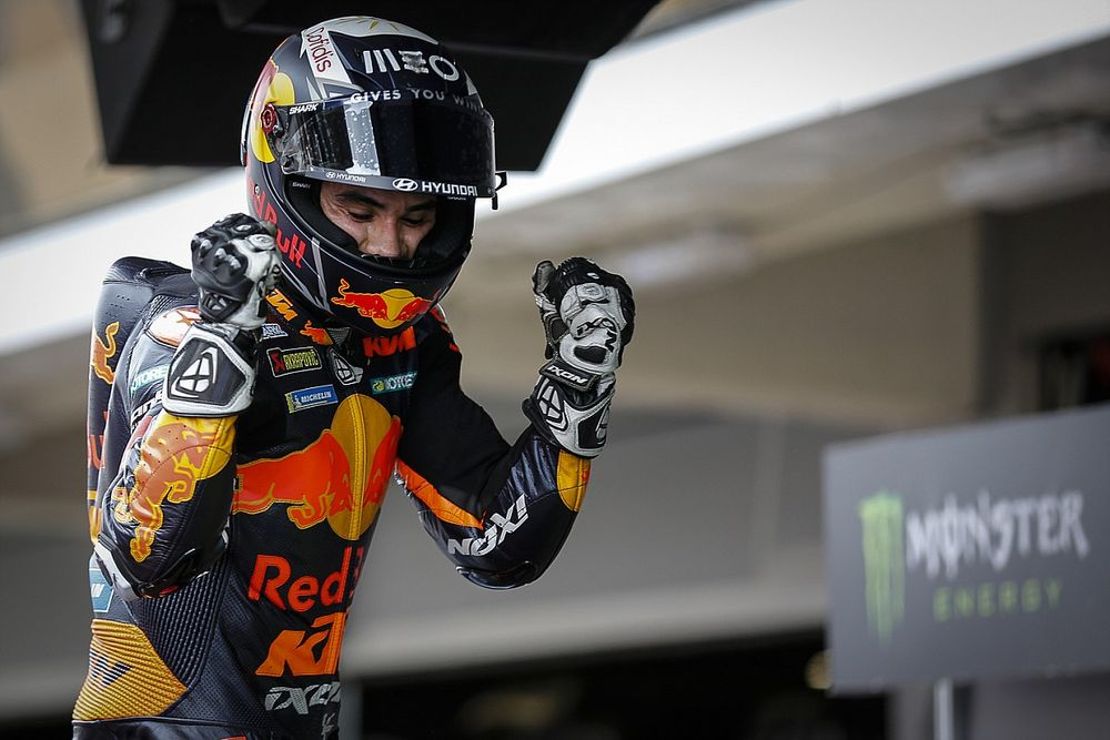 """Oliveira tankt vertrouwen met winst: """"KTM kan overal meedoen"""""""