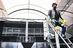 Rossi echa en falta inspeccionar la pista los jueves