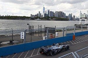 """Mercedes devient le """"chasseur"""" après un zéro pointé à New York"""