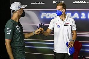 Steiner: Schumachernek sokat segíthet Vettel mentorálása