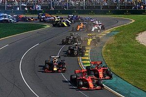 Videón, ahogy Leclerc és Vettel majdnem összeütközik egymással Ausztráliában