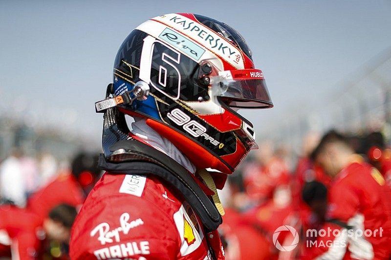 """Leclerc reconoce que le ordenaron no atacar a Vettel, pero lo """"entiende"""""""