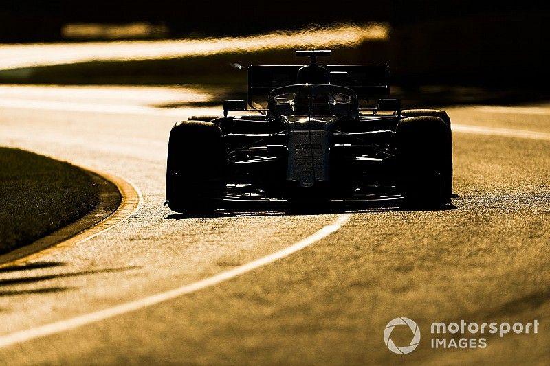 Кубица провел весь Гран При Австралии с поврежденной машиной из-за отсутствия запчастей