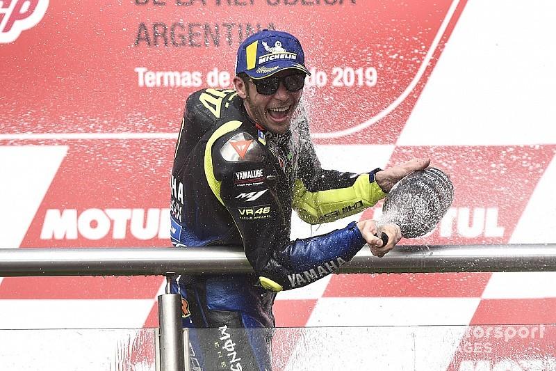 Rossi en el podio con 40 años, algo que no se veía desde Findlay en 1977