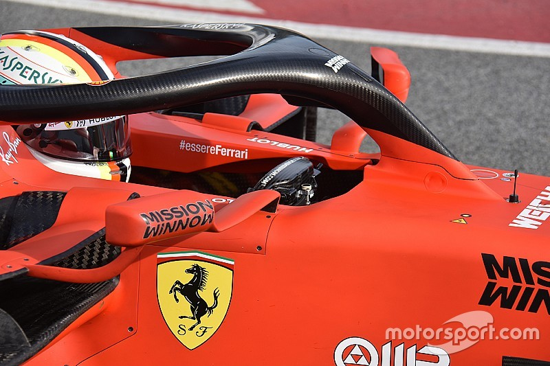 Desvelado el secreto: la tercera leva del volante de Vettel, ¡un freno de mano!