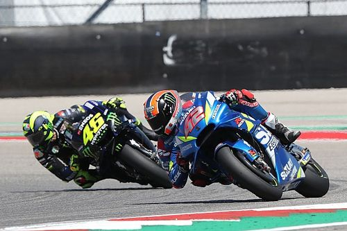 GALERI: Alex Rins vs Valentino Rossi